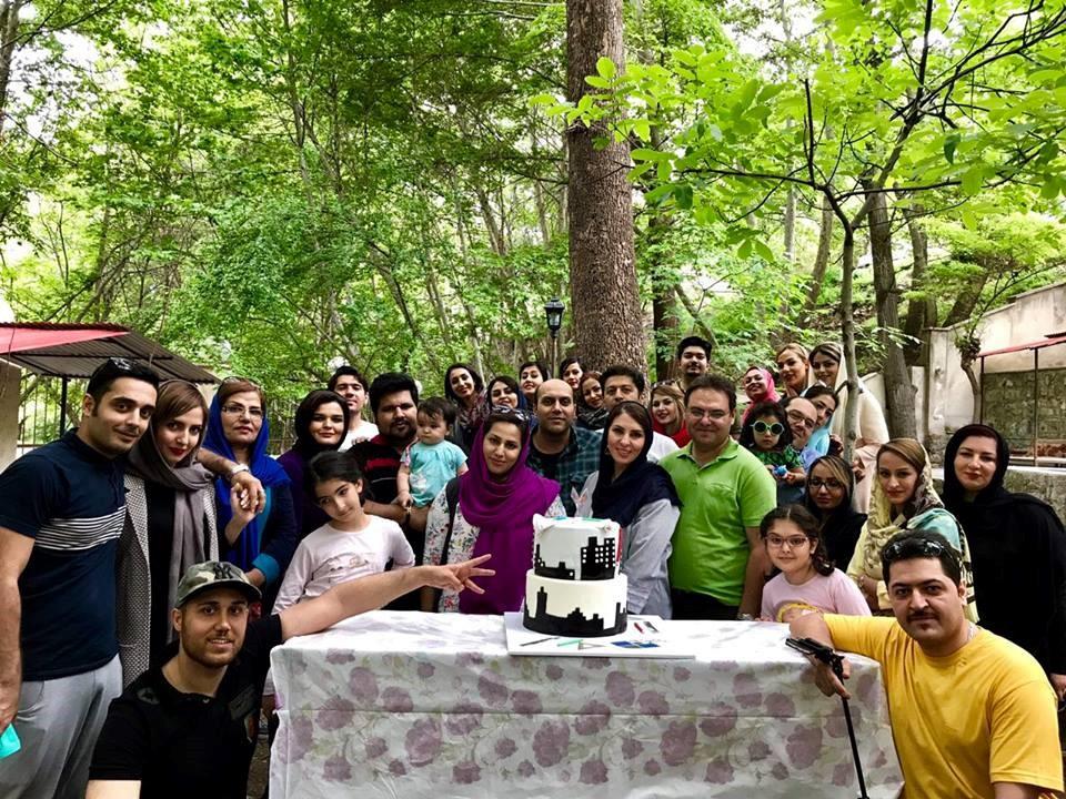جشن هفتمین سالگرد تاسیس شرکت با حضور همکاران دفتر مرکزی در منطقه برغان کرج تاریخ ۹۶/۲/۲۲