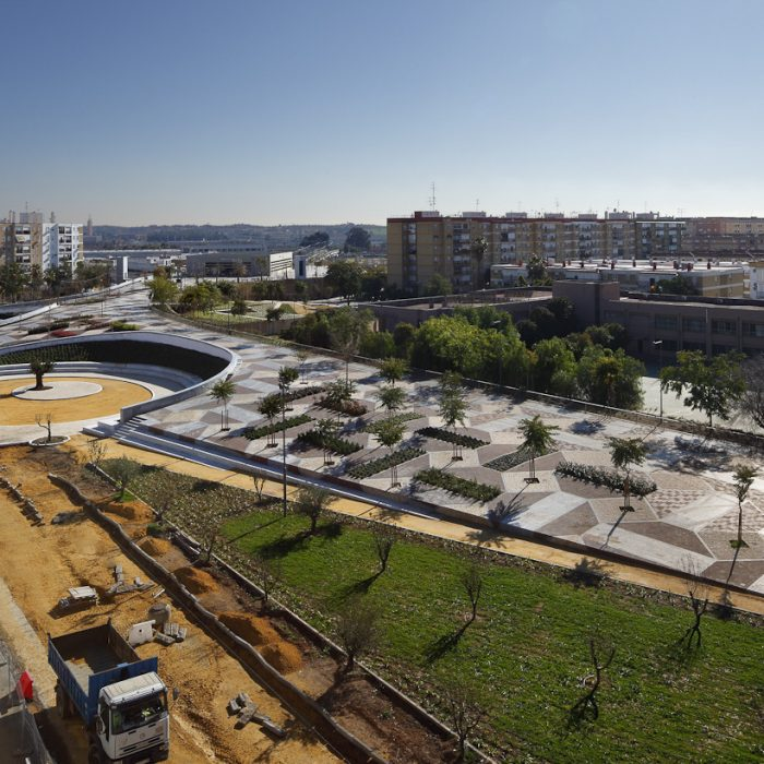 100 Public Spaces: From a Tiny Square to an Urban Park