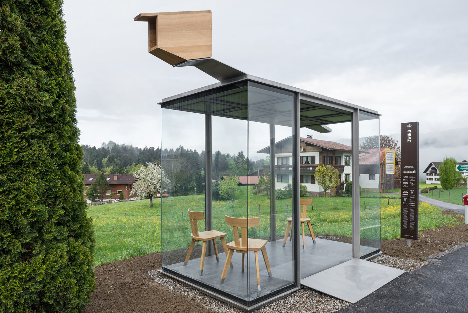 Bus Stop Krumbach, Zwing